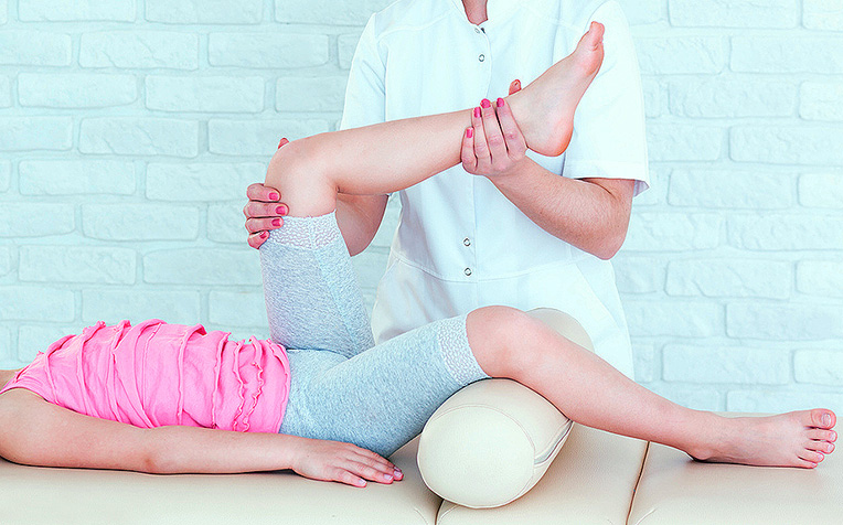 /sites/hexassets/Assets/children/epilepsy-exercises-lower-limb-stretching-passive.jpg