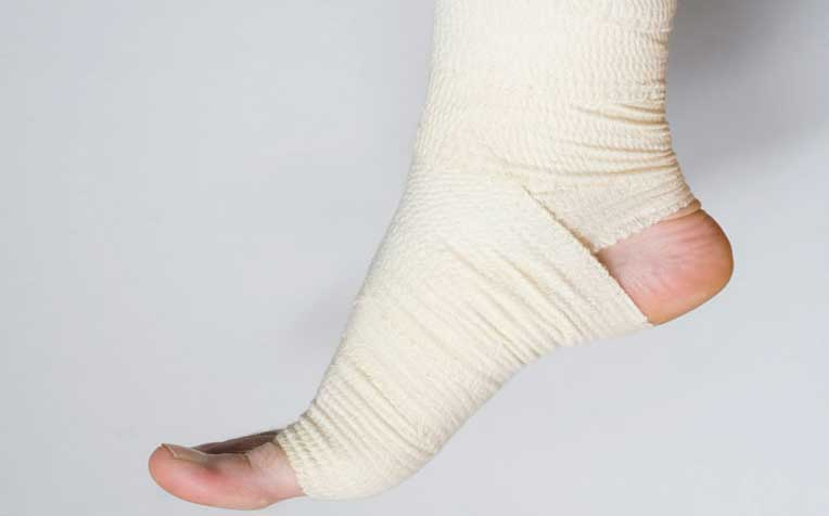 Ankle Fracture: Symptoms and How to Care for It