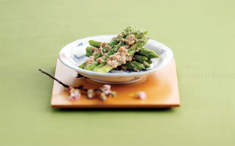 Asparagus with Walnut-miso Dressing​​