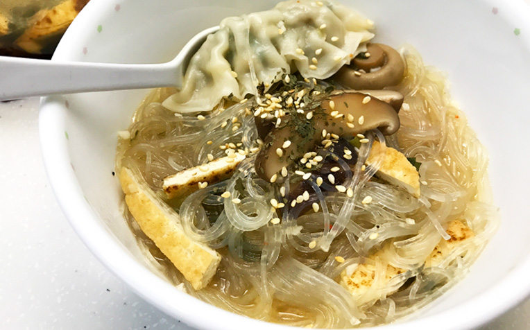 /sites/hexassets/Assets/recipes/my-best-healthy-recipe/tung-hoon-soup-dennis-oh.jpg